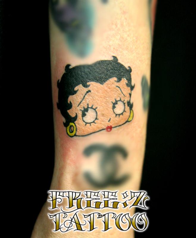 ベティーブープのワンポイント カラーワーク キャラクター ガールズタトゥー
